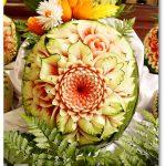 Motyw kwiatowy na arbuzie